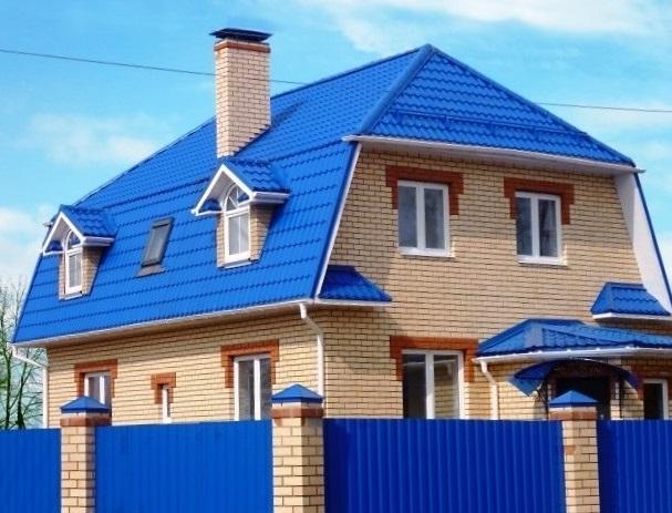Синяя крыша дома фото